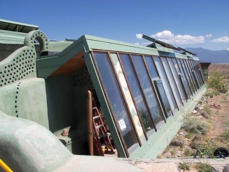 Taos-Earthship1