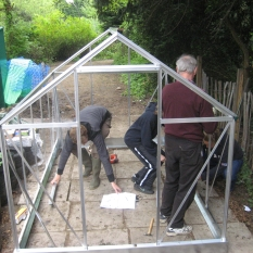 DIY-aluminum-greenhouse-kit